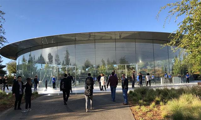 Apple hạn chế tuyển dụng nhân sự mới