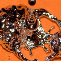 Chế tạo thành công kim loại lỏng biến đổi được hình dáng, lập trình được, có thể dẫn điện