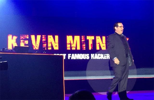 Trong buổi nói chuyện, Kevin Mitnick cũng đã nhắc đến việc thậm chí ngay cả các hệ thống xác thực hai yếu tố tiên tiến nhất vẫn có thể bị đánh bại bằng kỹ thuật xã hội.