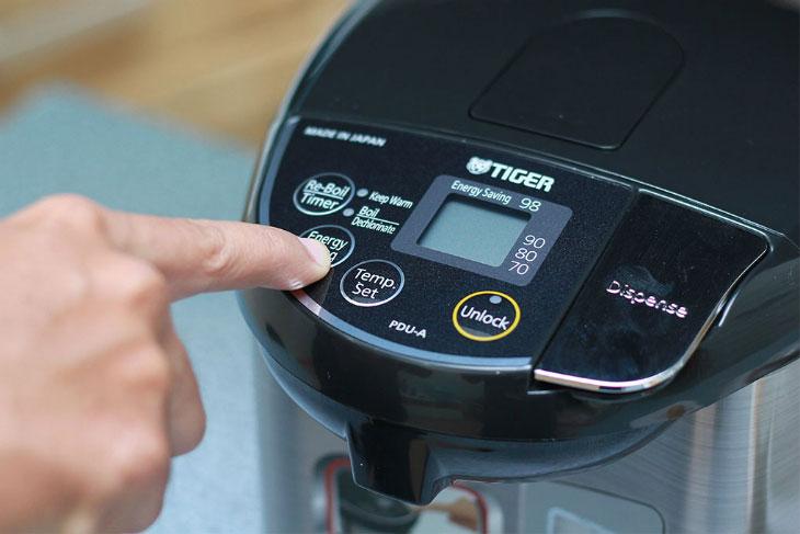 Bình thủy điện có chế độ tiết kiệm điện