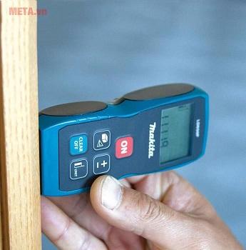 Máy đo khoảng cách laser đo chính xác.