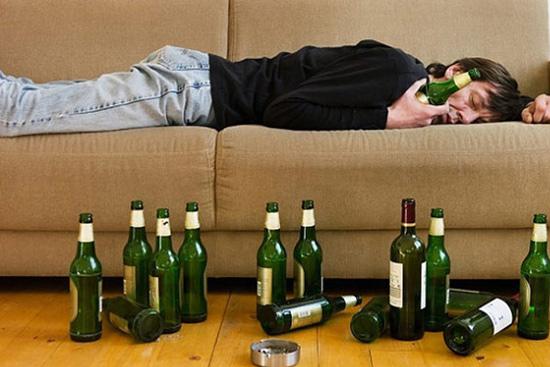 Say sỉn khi uống rượu bia nhiều