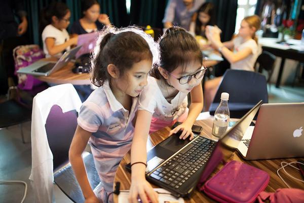 cho trẻ tham gia các trại hè công nghệ