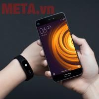 5 Lý do thuyết phục bạn sở hữu ngay vòng đeo tay Xiaomi Miband 2