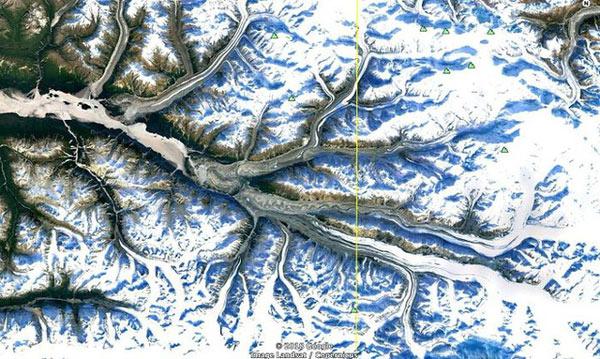 Những nhánh sông băng ở Đông Nam Alaska trải dài bất tận và mang mộ vẻ đẹp kỳ ảo