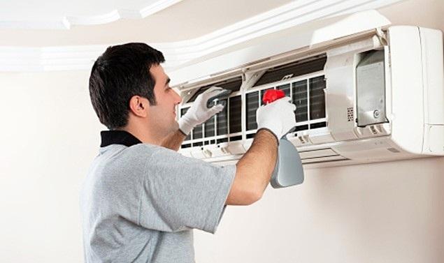Vệ sinh điều hòa định kỳ giúp tiết kiệm điện