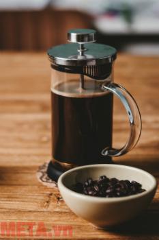 Bình pha cà phê kiểu Pháp French Press pha cà phê đậm đà, thơm ngon.