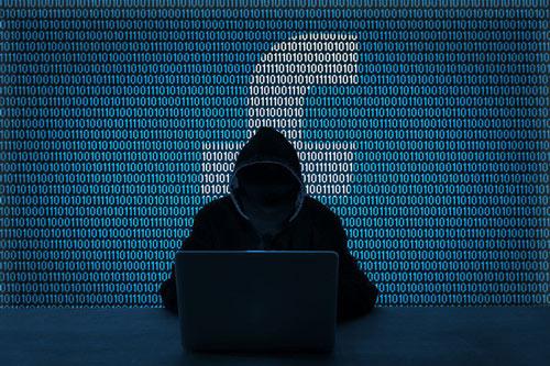 Thông qua các trang Web khảo sát, hacker có thể chiếm thông tin cá nhân của người dùng