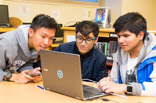 """Những học sinh này hoàn toàn có thể trở thành các chuyên gia an ninh mạng """"làm lên chuyện"""" trong tương lai!"""