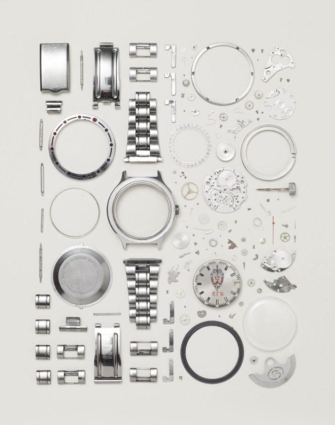 Một chiếc đồng hồ cơ của Vostok với 130 thành phần