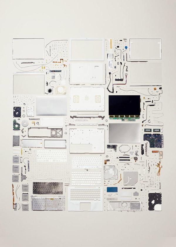 Một chiếc MacBook ra đời năm 2006, được lắp ráp từ 639 thành phần