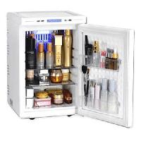 Tủ lạnh mini đựng mỹ phẩm: Tại sao mọi cô gái đều muốn sở hữu?