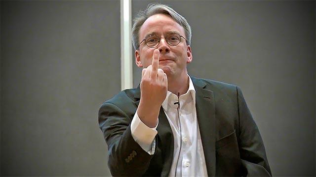 """Linus Torvald được đánh giá là người luôn nhìn mọi sự việc dưới con mắt công tâm, nhưng lại không bao giờ khoan dung với những suy nghĩ """"ngu ngốc, tầm thường""""."""