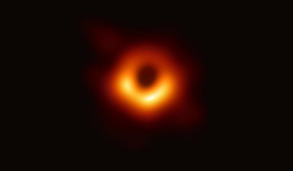 Đây là bức ảnh chụp lỗ đen đầu tiên của nhân loại