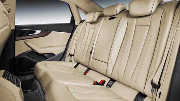 Xe Audi A4 2019 6