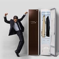 Tủ chăm sóc quần áo thông minh: Làm sạch đồ bằng hơi nóng, không dùng hóa chất, giá 50 triệu đồng