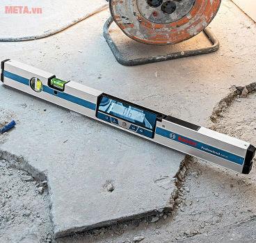 Thước thủy điện tử nhỏ gọn, bền bỉ, cho kết quả đo nhanh chóng với độ chính xác cao.