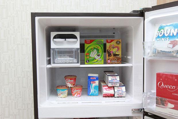 Tủ lạnh Hitachi 395 lít r-vg470pgv3 4