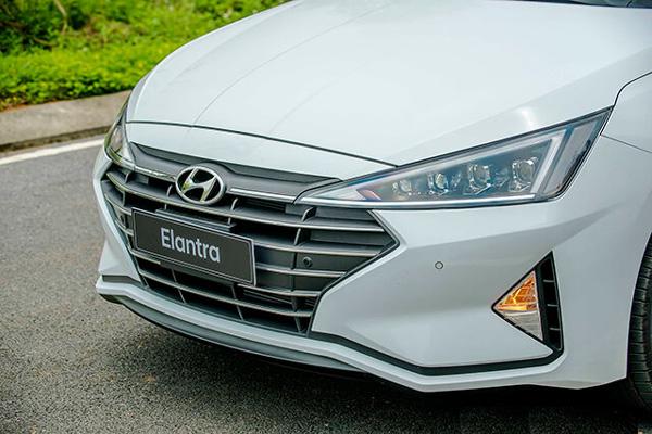Hyundai Elantra 2019 3