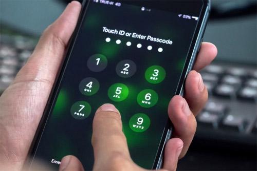 Hack mật khẩu smartphone qua âm thanh chạm màn hình