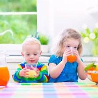 Có nên cho trẻ uống vitamin tổng hợp hay không?