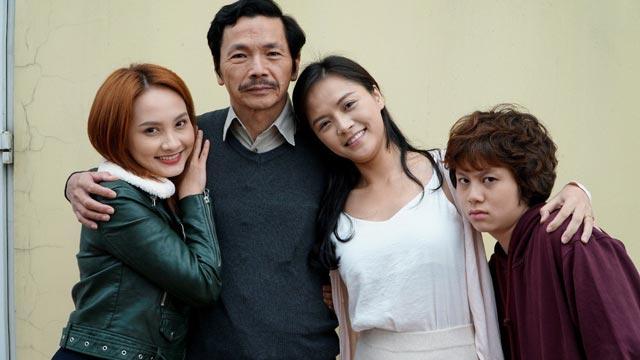 Gia đình ông Sơn trong về nhà đi con