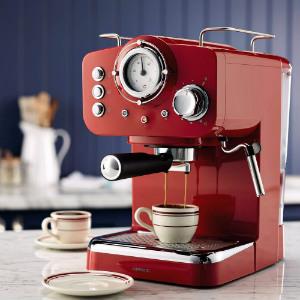 Máy pha cà phê Espresso gia đình có thiết kế nhỏ gọn.
