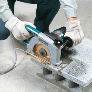 Máy cắt gạch, cắt đá không thể thiếu trong ngành xây dựng, thi công nội ngoại thất.