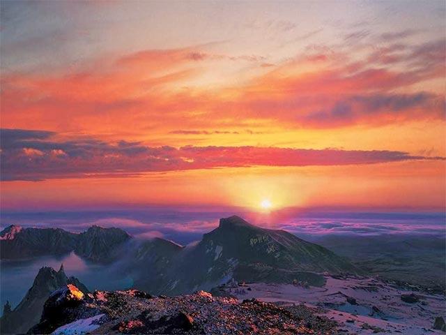 Bình minh ở núi Paekdu