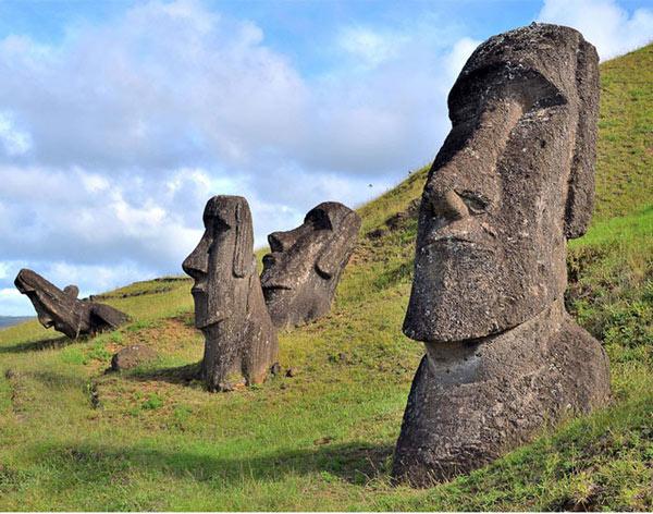 Các bức tượng đá khổng lồ ở Đảo Phục Sinh cũng có thân