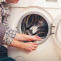 Vệ sinh máy giặt cửa ngang đơn giản với 4 cách làm này