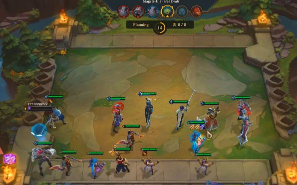 Xây dựng một đội Hextech vào cuối trò chơi