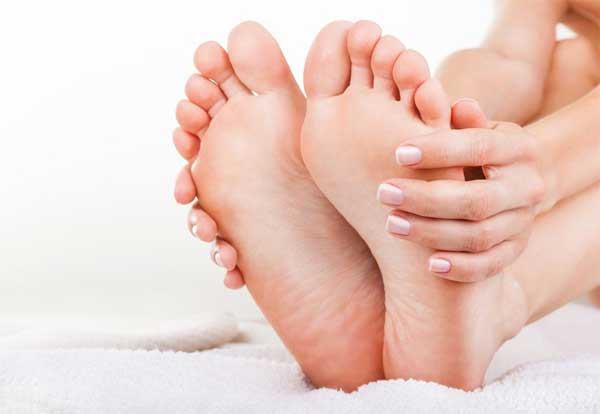 Ngâm chân muối hột