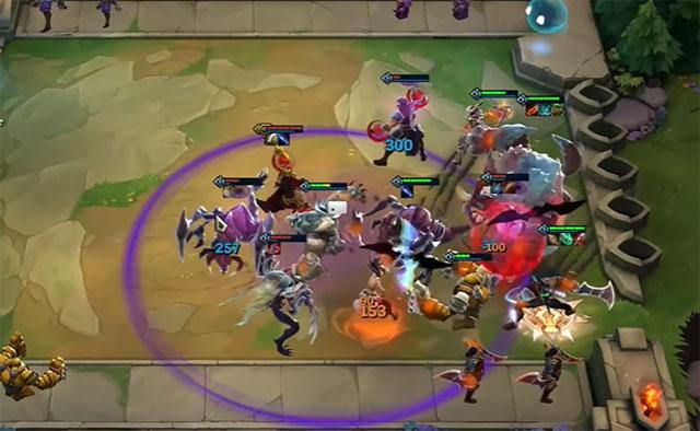 Để ý đội hình đối phương ở giữa và cuối trận