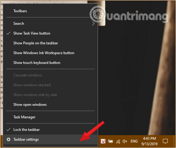 Mở Taskbar Settings bằng cách nhấp chuột phải trên thanh Taskbar