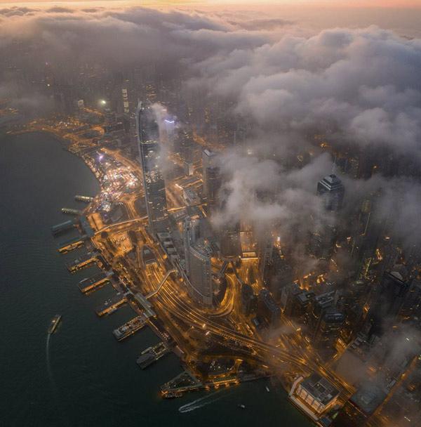 "Bài thi ""Morning Hong Kong"" của Tsz Ho Tse"