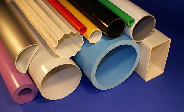 PVC là loại nhựa cực kỳ độc hại, do đó hiếm khi được sử dụng làm đồ gia dụng, đồ chứa thực phẩm