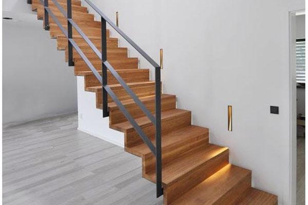 Cầu thang gỗ đơn giản, đẹp 14