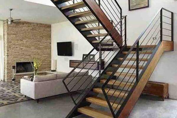 Cầu thang gỗ đơn giản, đẹp 1