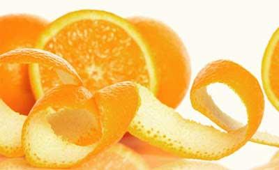 Khử mùi bình giữ nhiệt bằng vỏ cam