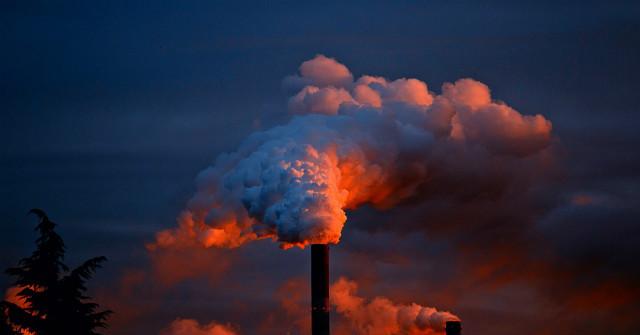 Máy lọc không khí giúp đối phó với tình trạng ô nhiễm không khí hiệu quả.
