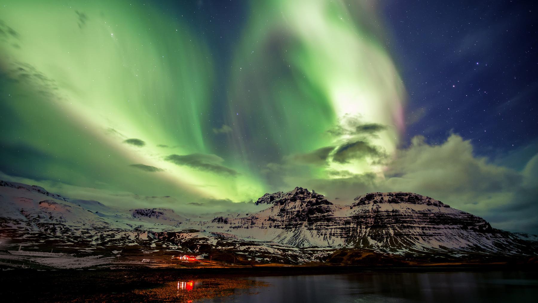 Đôi cánh thiên thần - Ánh sáng phương Bắc trên Iceland