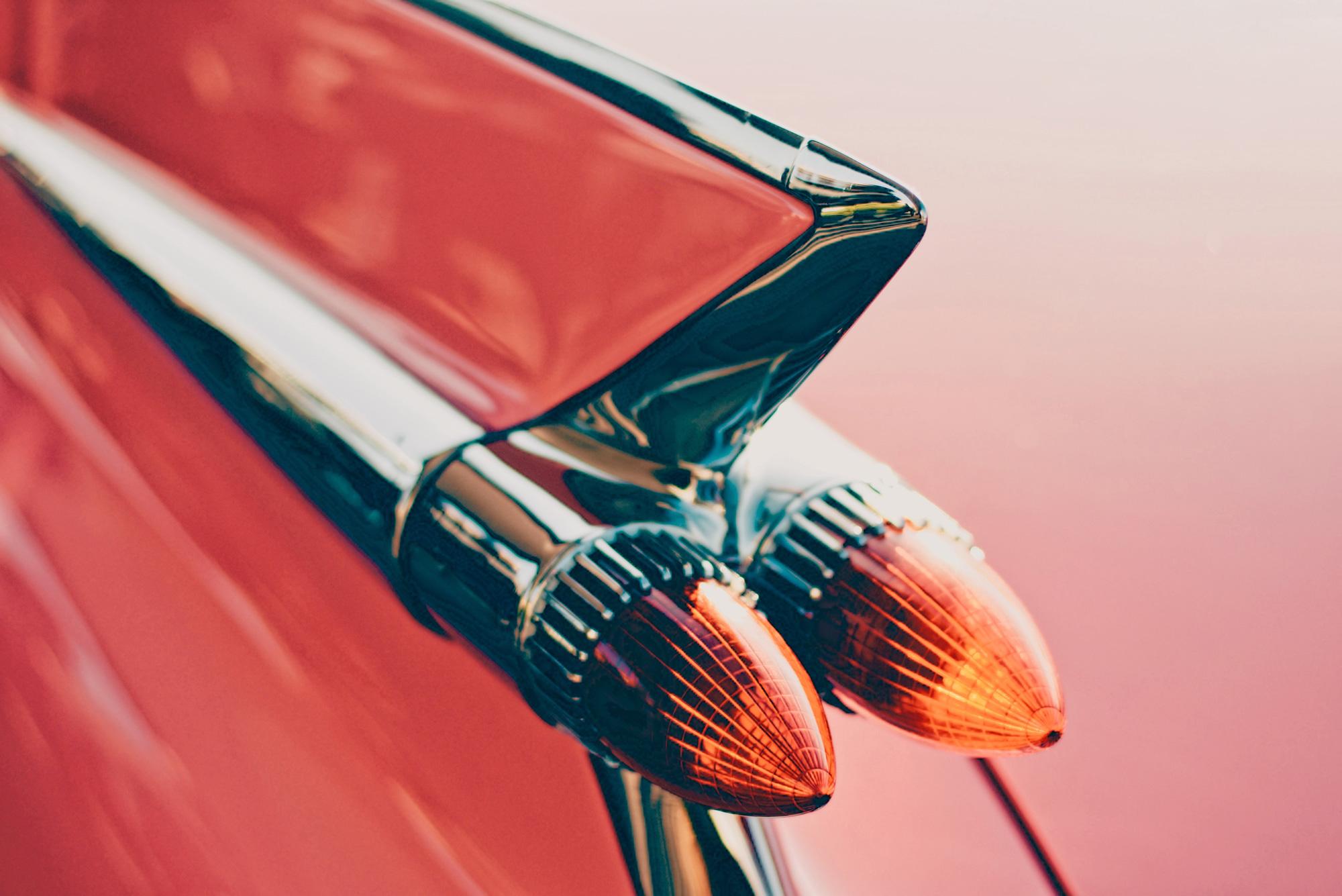 Hình chụp mui và động cơ xe