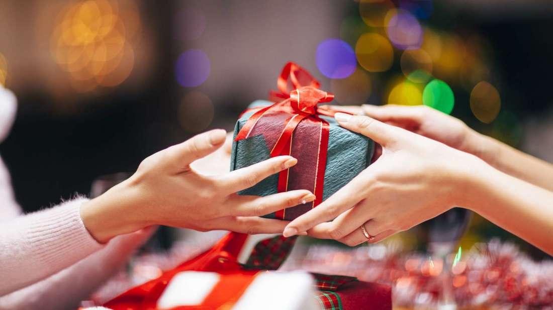 Ý nghĩa của việc tặng quà tân gia