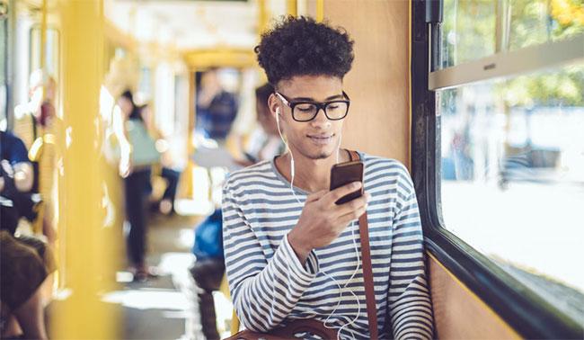 Có thể tận dụng trải nghiệm web-to-app trên các trang web AMP không?