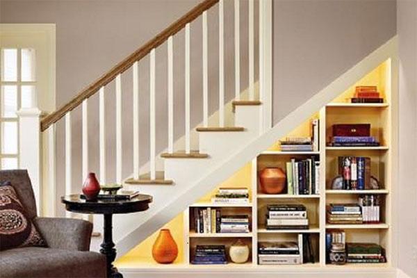 Thư viện mini dưới gầm cầu thang 2