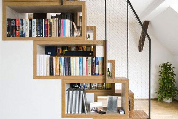 Thư viện mini dưới gầm cầu thang 6