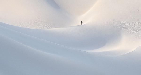 """Tác phẩm """"Dunes of Socotra"""" - Những đồi cát ở Socotra của tác giả Marsel Van Oosten"""