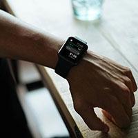 Cách dùng chức năng chia hóa đơn và tính tiền típ trong Calculator trên Apple Watch