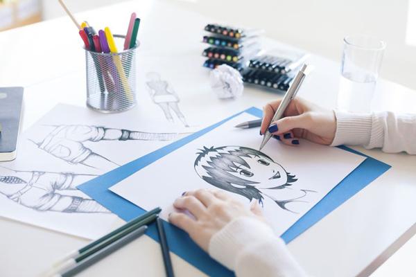 Vẽ nhân vật anime trên giấy